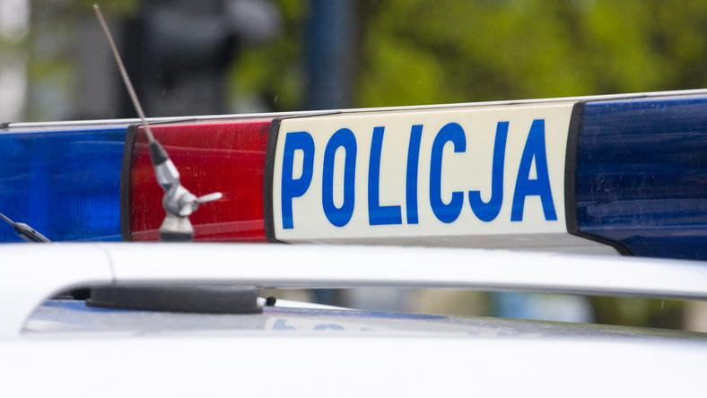 Warszawa: Wypadek z udziałem radiowozu. Dwie osoby ranne