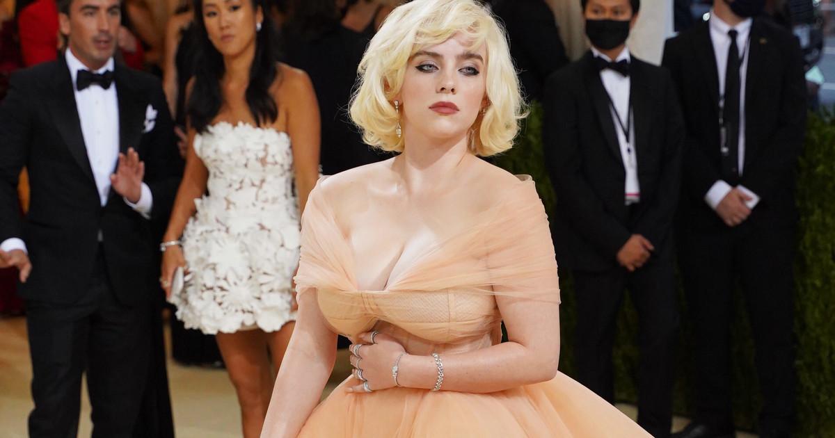 Billie Eilish na Met Gali w sukni od Oscara de la Renty