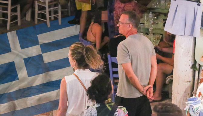 Tom Henks sa suprugom Ritom Vilson jula ove godine na odmoru u Grčkoj