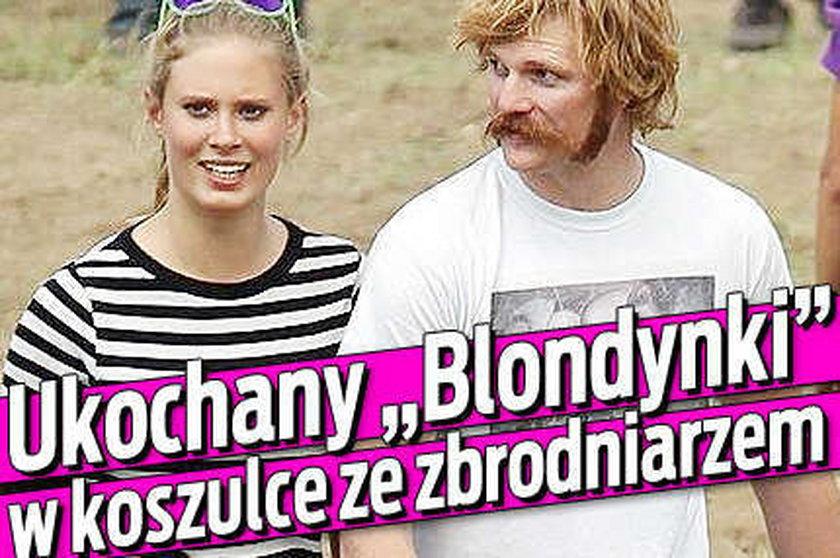 """Ukochany """"Blondynki"""" w koszulce ze zbrodniarzem"""