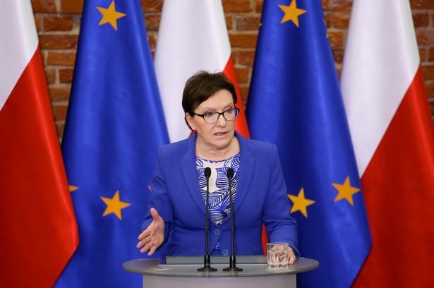 Premier Ewa Kopacz podczas konferencji prasowej podsumowującej wizytę w Łodzi