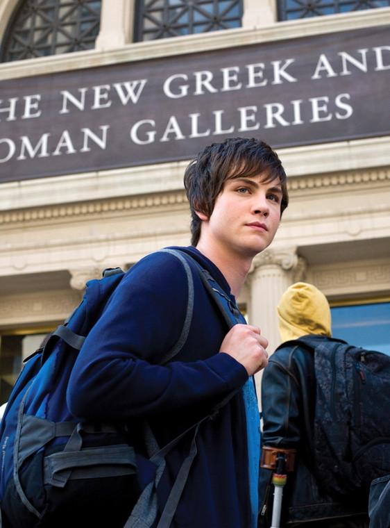 """Logan Lerman jako Percy Jackson w """"Percy Jackson i Bogowie Olimpijscy: Złodziej Pioruna"""""""