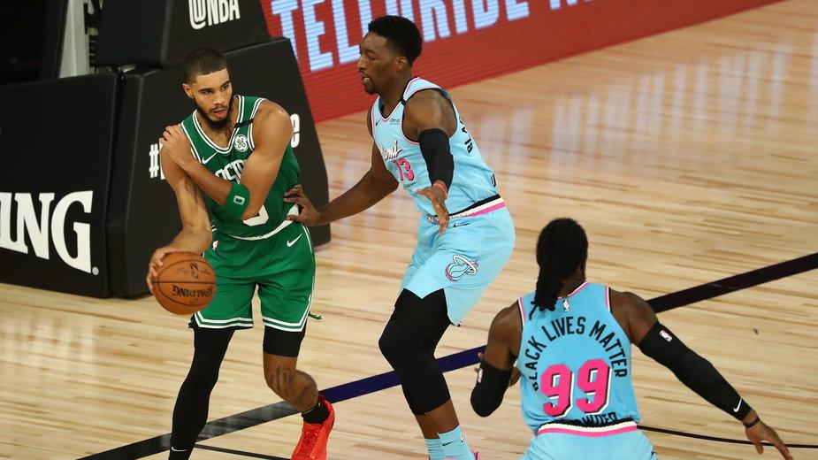 Mecz Heat - Celtics w rundzie zasadniczej. Jayson Tatum, Bam Adebayo i Jae Crowder