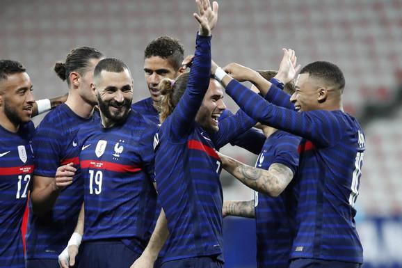 """FRANCUSKA NA EURO 2020: DRIM-TIM! Najomiljeniji igrač sveta, jednog zvali """"virus"""", dvojac glumio u Spajdermenu, a štoper nije čuo poziv iz Reala zbog glasne muzike!"""