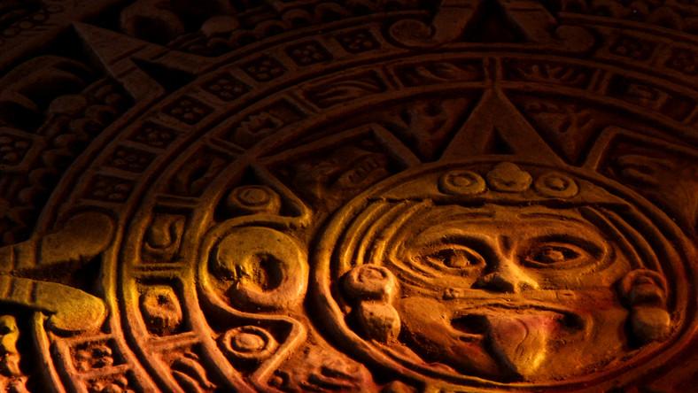 21 grudnia 2012 kończy się kalendarz Majów. Jednak badacze wskazują, że kalendarz nie mówi o żadnym kataklizmie, a jedynie przewiduje zakończenie Ery Piątego Słońca