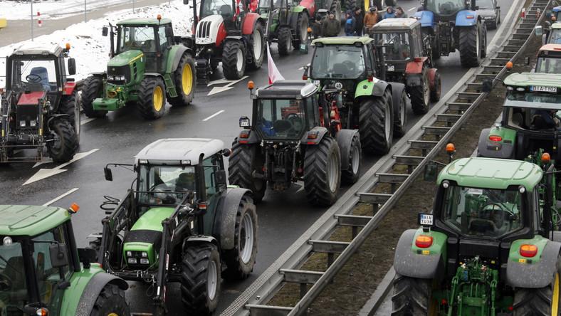 """""""Może zabraknąć rodzimej żywności"""". Apel biskupa do rządu i rolników"""