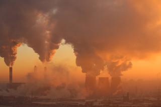 Koronawirus na świecie: Walczący z kryzysem nie pamiętają o klimacie