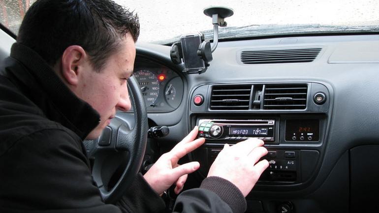 Najpopularniejsze radia samochodowe do 400 złotych