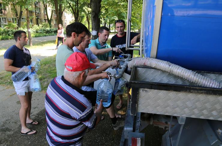 Meštani Dolova opet prinuđeni da koriste vodu iz cisterne