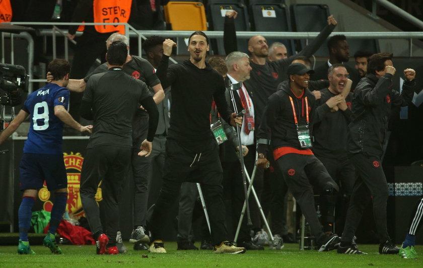Zlatan Ibrahimović zostanie w Manchesterze? Kibic oferuje mu żonę