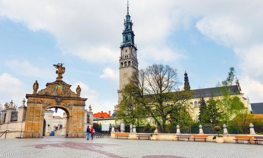 Zamówili mszę, za Polskę wolną od faszyzmu. Zaskakująca reakcja w kościele