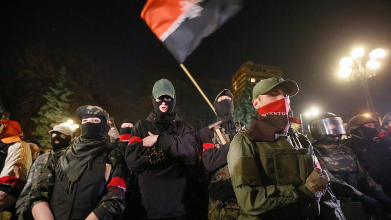 Prawy Sektor znów przed parlamentem w Kijowie. Żąda dymisji ministra