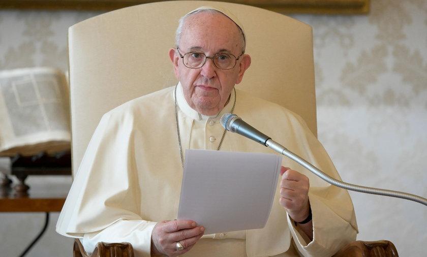 Papież Franciszek wezwał polskich biskupów do Watykanu w sprawie pedofilii w kościele.
