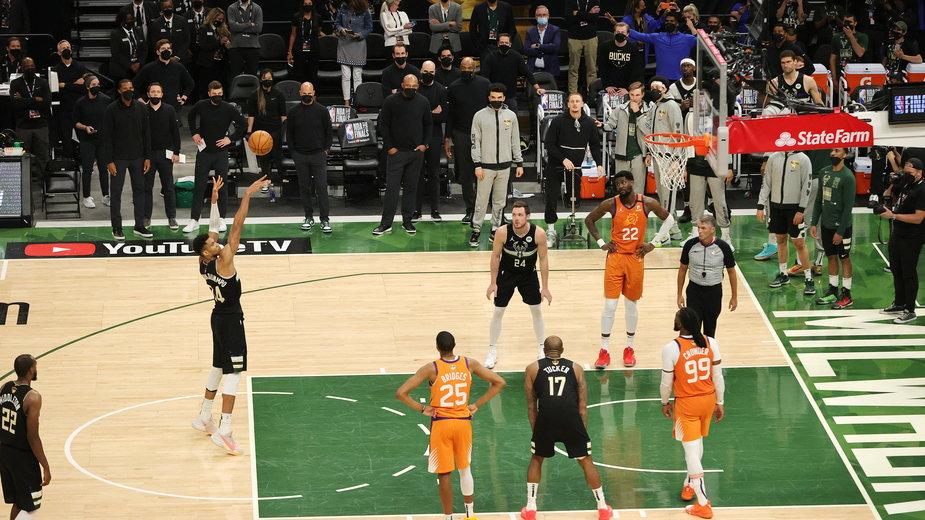 Finał NBA: jak prezentowała się oglądalność rywalizacji Suns — Bucks?