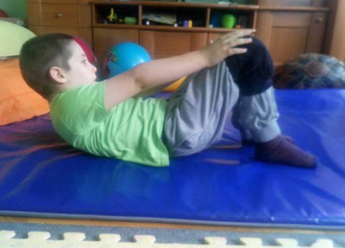 Dimitrije vredno dva puta dnevno vežba kod kuće