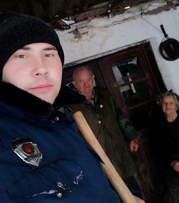 Danijel pomaže i ostalim starijim meštanima u komšiluku