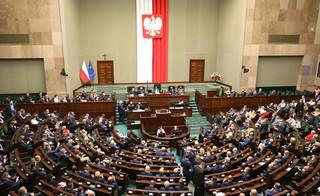 Posłowie opozycji na posiedzeniu Sejmu ws. stanu wyjątkowego: Gdzie jest prezydent?