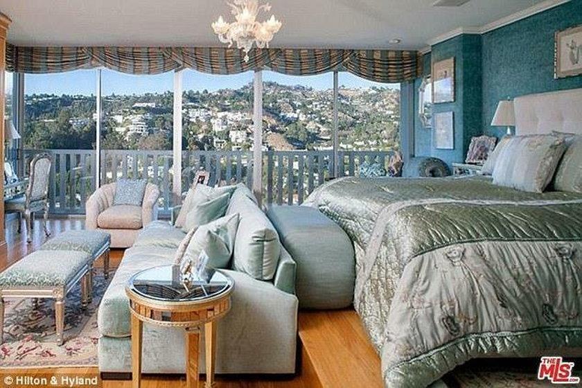 Apartament Joan Collins