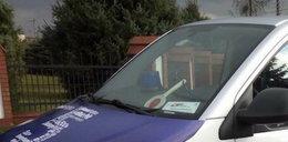 Policyjny lizak i kogut w busie PiS