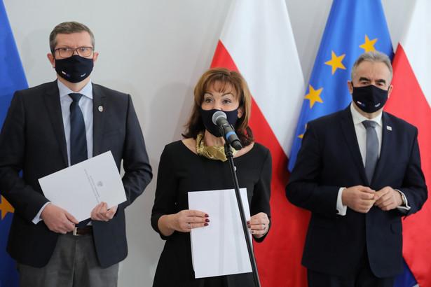 Wicemarszałek Senatu Gabriela Morawska-Stanecka zauważyła, że projekt, który - w jej ocenie - prowadzi do ograniczenia praw obywatelskich i godzi w zasadę domniemania niewinności, jest pomysłem ministra sprawiedliwości, lidera Solidarnej Polski Zbigniewa Ziobro.