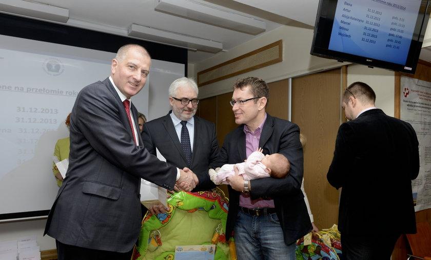 Maluszki urodzone na przełomie 2013 i 2014 dostały wyprawki