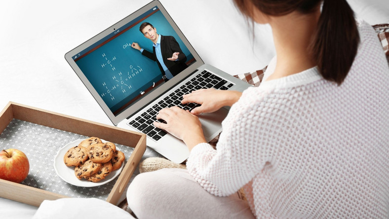 Szkoła lekcje online