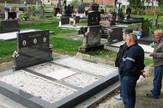 Spomenik Ugljesi i njegovim roditeljima na razbojskom groblju foto Milan Pilipovic
