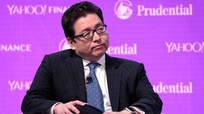 Stocks could hit record highs this summer on cautious investor positioning and better-than-expected COVID-19 data, Fundstrat's Tom Lee says