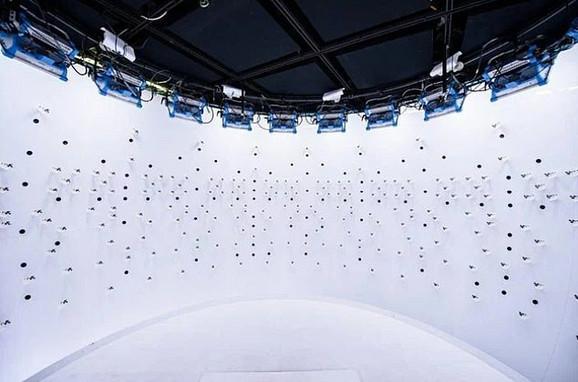 Jedan od studija Fejsbukove rijaliti laboratorije (FRL): Ima 1.700 mikrofona, koji omogućavaju rekonstrukciju zvučnih polja u tri dimenzije