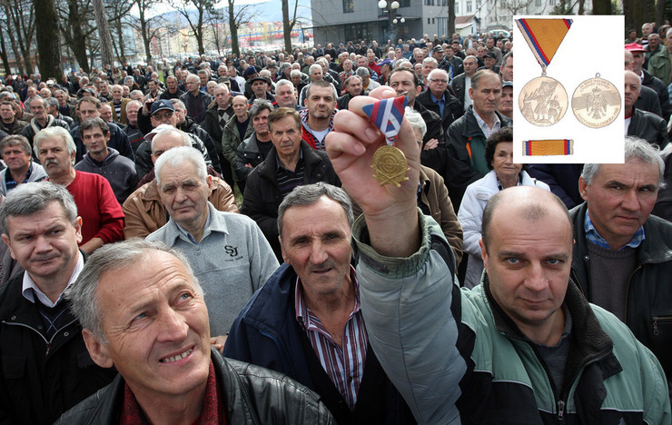 Borci VRS medalja zasluga za narod