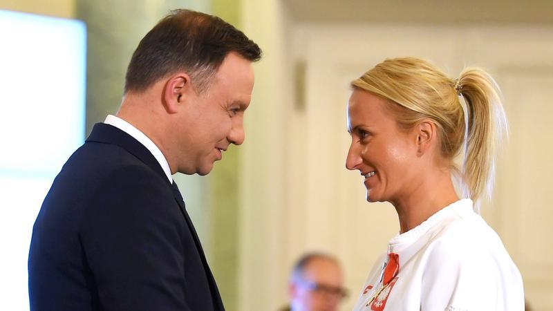 WARSZAWA ODZNACZENIA PAŃSTWOWE DLA SPORTOWCÓW (Prezydent Andrzej Duda Natalia Madaj)