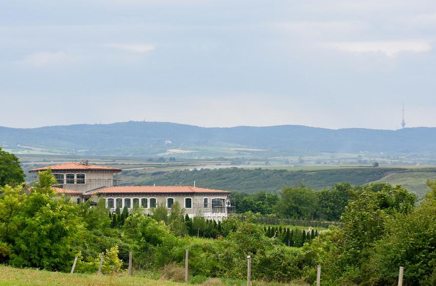 EKSKLUZIVNO: Pogledajte kako izgleda velelepna vila Novaka Đokovića koju  gradi na selu!