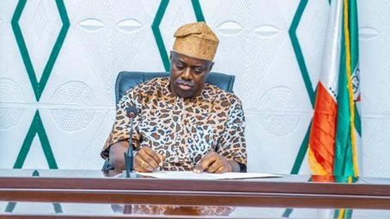Governor Seyi Makinde has also directed all categories of workers to resume at the Oyo State Secretariat on June 22 [Twitter/@seyiamakinde]