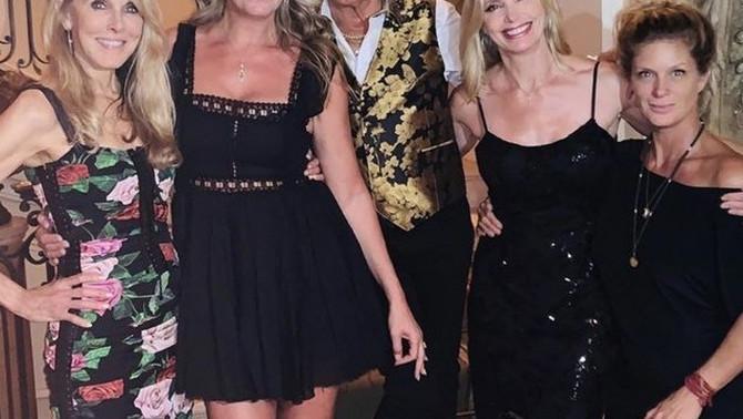 Rod Stujart sa suprugom i bivšim suprugama