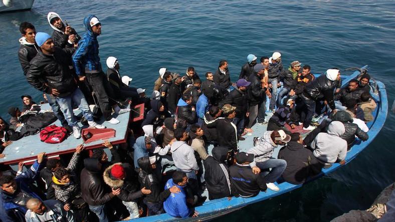 Na łodzi z uchodźcami z Libii urodził się chłopczyk