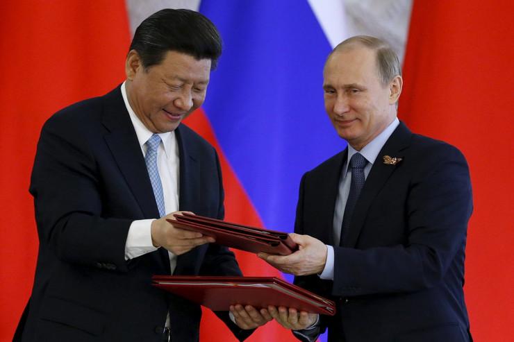 Si Đinping sa Vladimirom Putinom