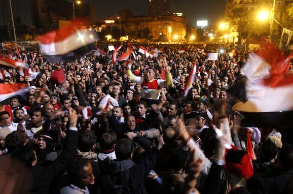Odluka Mubaraka da ne ode sa vlasti izazvala gnev demonstranata
