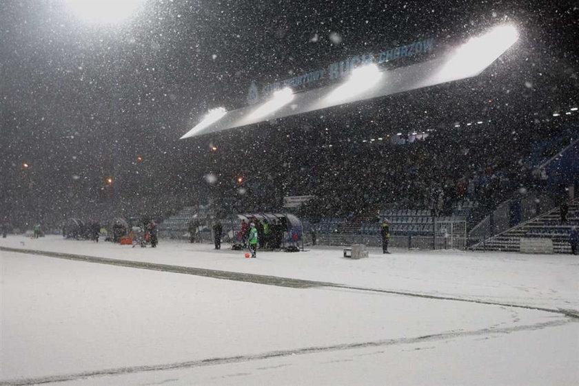 Ruch przegrał na zaśnieżonym boisku w Chorzowie