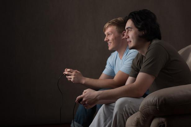 Już trzy czwarte polskich internautów regularnie korzysta z gier komputerowych.