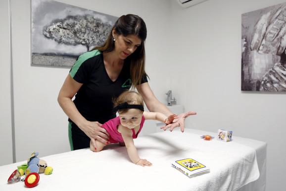 Terapeuti rade sa bebama, ali i sa decom i tinejdžerima