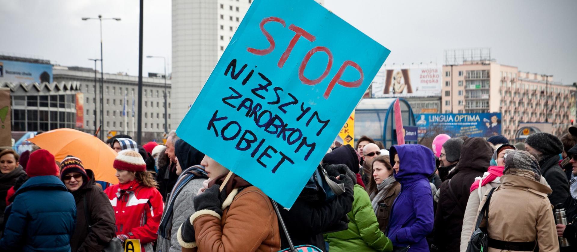 Płaca nie dla wszystkich równa. Luka płacowa w Polsce jest niska, ale jest w tym haczyk