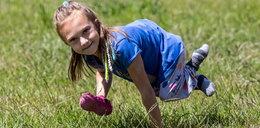 Michalinka musi mieć silne rączki, bo nie może chodzić jak inne dzieci. Pomóżmy jej w walce o godne życie!