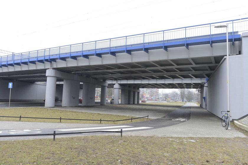 Pod wiaduktem miejsce na tramwaj