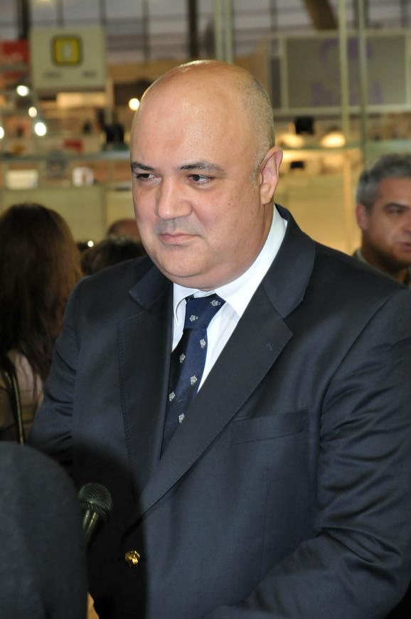 Zoran V. Ćosić