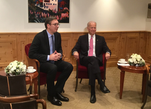 Vučić i Bajden u Davosu