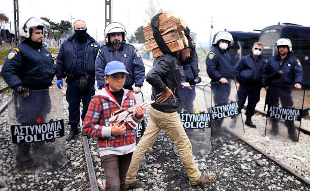 Wojsko i policja zatrzymują migrantów