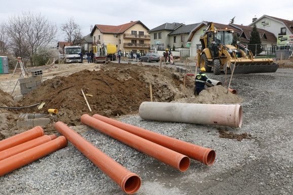 Izgradnja kružnog toka u Sremskoj Kamenici