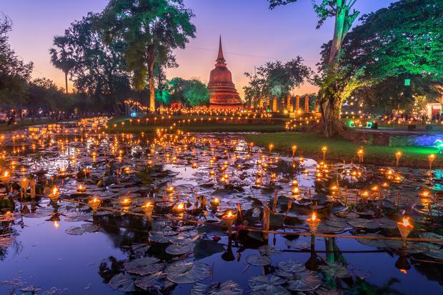 Święto Loy Kratong w Sukhothai