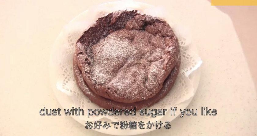 Ciasto czekoladowe. Przepis na ciasto czekoladowe z dwóch składników.