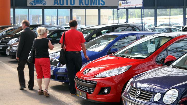Kupujemy idealne auto używane - ustal budżet i wybierz odpowiednią wersję